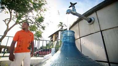 'Pé na Pista' experimenta a famosa água da bica - 'Pé na Pista' experimenta a famosa água da bica