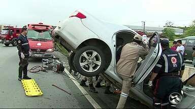 Acidente é registrado na BR-232 - Motorista ficou ferido.