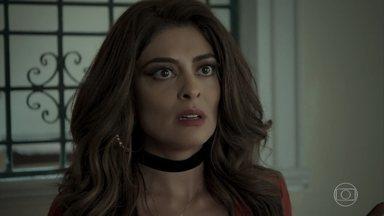 Bibi é surpreendida pela polícia - Aurora condena o estilo de vida que a filha está levando ao lado de Rubinho