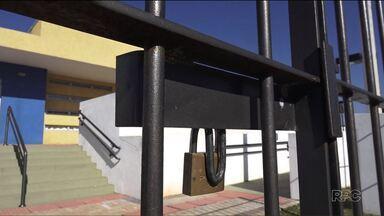 Pais reclamam que 12 creches foram inauguradas e até agora nenhuma não funciona - Duas delas estão na cidade Industrial