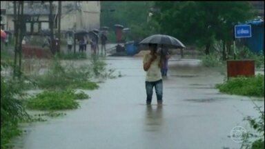 Chuva na Índia provoca estragos e 514 mortes - Dezessete milhões de pessoas em 29 cidades do estado de Bihar foram afetadas pela chuva. Milhares estão em abrigos improvisados.