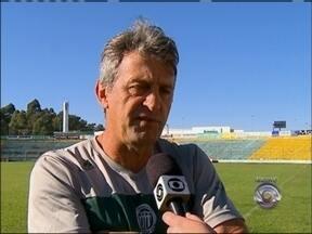 Ex-técnico do Passo Fundo está internado em Porto Alegre, RS - Leocir Dalastra foi atropelado em ontem