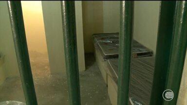 CEM inaugura alojamentos e transfere adolescentes condenados por estupro - CEM inaugura alojamentos e transfere adolescentes condenados por estupro