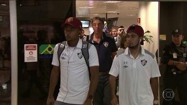 Fluminense já está no Paraná onde enfrenta o Londrina pela Copa da Primeira Liga - Tricolor desembarcou nesta terça-feira, e joga esta quarta.