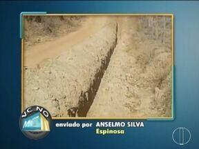 VC no MG: Moradores de Espinosa reclamam de uma obra da Copasa que está parada - Moradores de Montes Claros também enviaram reclamações.