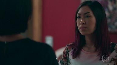 Tina conversa com Mitsuko sobre a paixão proibida de sua avó - Mitsuko garante à filha que sua sogra teria se arrependido se tivesse escolhido o amor em vez de seguir a tradição japonesa