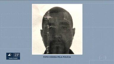 Polícia identifica suspeito de matar dois homens que dormiam na rua em Santo André - O nome dele é Manoel Almeida da Silva, conhecido como Manelão. O suspeito já tem antecedentes criminais por furto e violência doméstica.