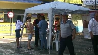 Moradores estão sendo orientados sobre cuidados com escorpiões - A vigilância em saúde de Paranavaí está fazendo uma campanha para orientar os moradores sobre os cuidados com a escorpiões.