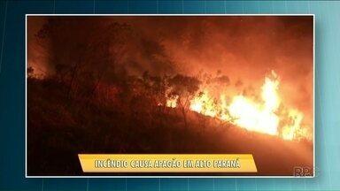 Incêndio atinge a rede elétrica em Alto Paraná - Os moradores da cidade ficaram oito horas sem energia elétrica.