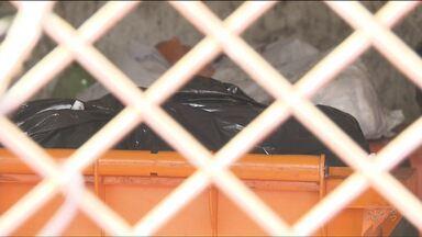 Polícia investiga caso de bebê prematuro encontrado dentro de lixeira, em Foz do Iguaçu - A criança foi encontrada por uma catadora de materiais recicláveis.