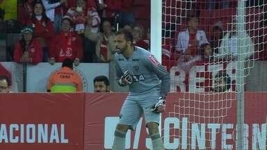 Em noite inspirada de Giovanni, Galo se classifica para as semifinais da Primeira Liga - Goleiro foi o grande nome da partida, fazendo boas defesas no jogo contra o Internacional