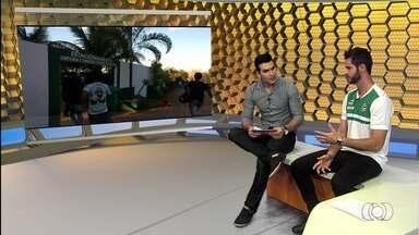 Marcelo Rangel participa do Globo Esporte e comenta má fase do Goiás - Goleiro fala da crise esmeraldina na Série B e da invasão ao CT