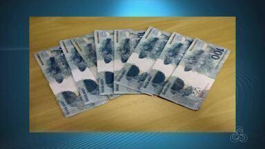 Em Macapá, polícia prende cinco jovens com notas falsas após comprarem pizza - Caso ocorreu na quarta-feira (30). Jovens foram levados para Polícia Federal.