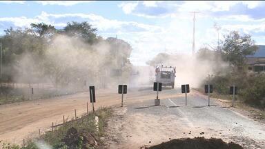 Ponte interditada causa transtornos para motoristas e moradores de Catolé do Rocha, PB - Uma ponte na PB-323, entre as cidades de Catolé do Rocha e Brejo do Cruz, está interditada desde o mês de Junho.