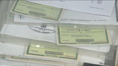 Quase 3 mil novos RGs estão prontos, mas ainda não foram retirados em Curitiba - As carteiras de identidade foram feitas em um mutirão na rua da Cidadania do Bairro Novo e devem ser retiradas até o dia 20 de setembro.