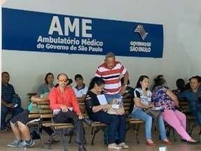Demora em atendimento de saúde prejudica pacientes - Filas parecem não ter fim e problema causa indignação.