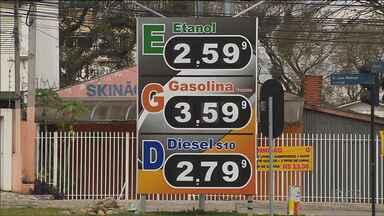 Saiba para quanto vai o preço da gasolina e do diesel depois do anúncio da Petrobrás - O preço do combustível vai subir de novo. Por enquanto, a alteração vale só para as refinarias mas, segundo economistas, vai chegar ao bolso do consumidor.