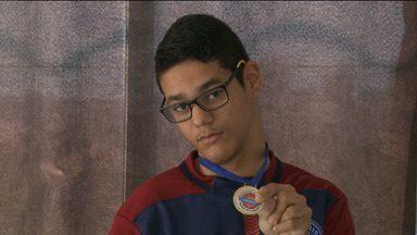 JPB mostra exemplo de superação de um cadeirante através do esporte - Através da bocha, um esporte paralímpico, o jovem já conquistou medalha de ouro.