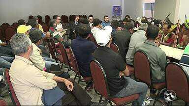 Reunião em Garanhuns discute ocupação de terras da tribo Fulni-ô - Ação foi realizada em Águas Belas