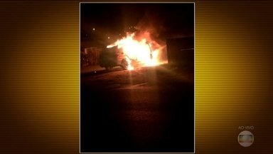Polícia Militar e prédios públicos são alvos de ataques em Santa Catarina - Criminosos dispararam tiros e tentaram atear fogo em bases da Polícia Militar e também incendiaram carros.