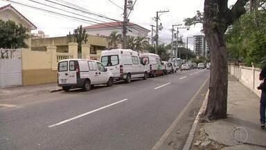Motoristas de ambulância entram em greve neste sábado por falta de pagamento - Eles afirmam que estão salários desde junho.