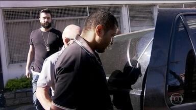 Suspeito de atacar duas mulheres em ônibus em São Paulo é preso - Promotoria pediu uma avaliação psiquiátrica do suspeito, mas o pedido ainda não foi atendido.