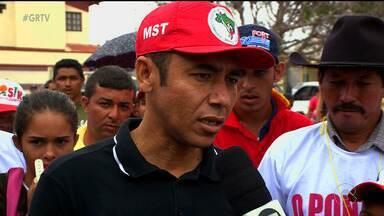 Trabalhadores rurais ocupam a sede da Codevasf, em Petrolina, no Sertão de PE - A categoria tenta impedir a reintegração de posse de uma área do Projeto Pontal Sul, na Zona Rural da cidade.