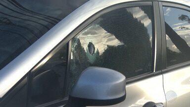 Tentativa de assalto deixa um morto e dois feridos no fim de linha de São Lázaro - Bandidos atacaram seguranças da Fapesb; confira os detalhes.
