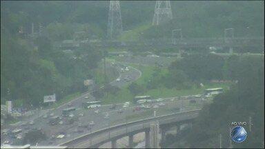 Veja imagens do trânsito nas avenidas ACM, Bonocô, Jequitaia e Oscar Pontes - Confira no Radar do JM.