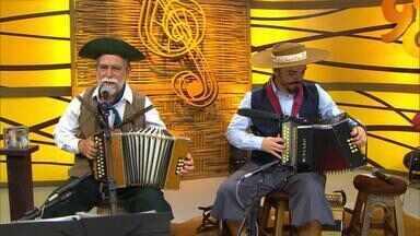 Alfredo Neto e Edilberto Bérgamo são atrações do 'Galpão Crioulo' (bloco 2) - Assista ao vídeo.