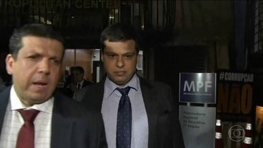 Defesa de Marcello Miller pede ao STF para rejeitar pedido de prisão - Miller prestou depoimento nesta sexta-feira (8) à Procuradoria Regional da República, no Centro do Rio, por cerca de 10 horas.
