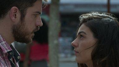 Ritinha insinua a Zeca que Ruyzinho poderia ser seu filho - Ela questiona o ex sobre sua nova namorada