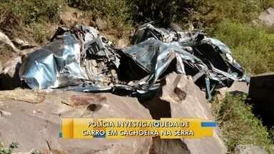 Polícia investiga queda de carro em cachoeira na Serra catarinense - Polícia investiga queda de carro em cachoeira na Serra catarinense