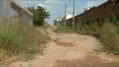 Moradores reclamam da falta de infraestrura em ruas de São Luís - Lama e buracos nas ruas do Araçagy, na Região Metropolitana de São Luís é motivo de muita reclamação.