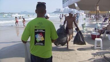 Projeto tenta deixar praias de Guarujá mais limpas - Iniciativa também visa gerar renda e empregos.