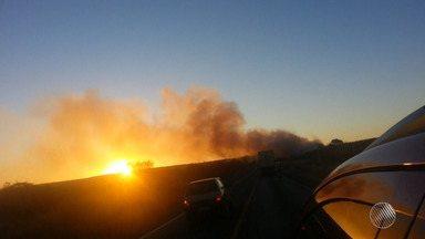 Queimadas causam perigo na Br-242, no oeste do estado - Uma cortina de fumaça está se formou entre os municípios de Barreiras e Cristópolis.