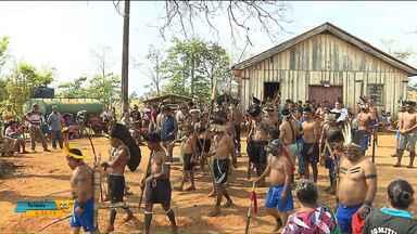Índios Caingangues ocupam fazendas, em Tamarana - Os índios dizem que 725 hectares de terra estariam sendo usados irregularmente e agora eles querem reaver o espaço.