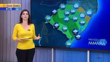 Tempo: quinta-feira (14) será de chuva no RS - Veja a previsão completa.
