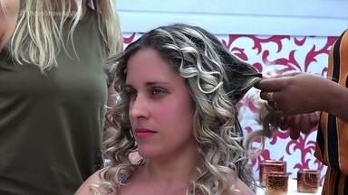 Rafa Brites vai atrás de mulheres que querem se transformar em Leopoldina - Galera aprova o visual das novas princesas
