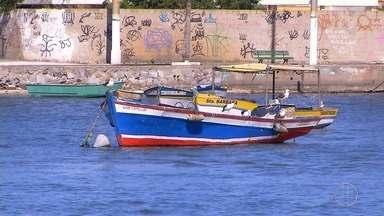 Pescadores estão em momento frágil devido aos ventos que impedem a saída para o mar - Confira a seguir.