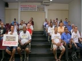 Vereadores de Bauru aprovam projeto que garante licença provisórias para empresas - A Câmara de Vereadores de Bauru aprovou em segunda sessão nesta segunda-feira (18) por unanimidade o projeto que garante licença provisória para micro e pequenas empresas.