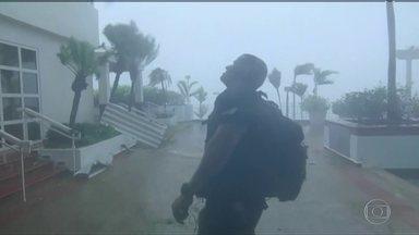Furacão Maria é rebaixado à categoria 2, mas ainda ameaça o Caribe - Em Porto Rico, ventos de 250 kmh causaram os maiores danos em um século.