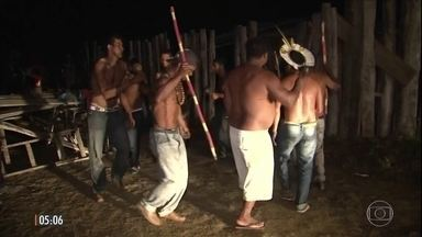 Índios invadem fazenda do ex-ministro Geddel Vieira Lima na BA - O grupo diz que propriedade, que também pertence ao deputado federal Lúcio Vieira Lima, irmão do ex-ministro, era um cemitério da tribo.
