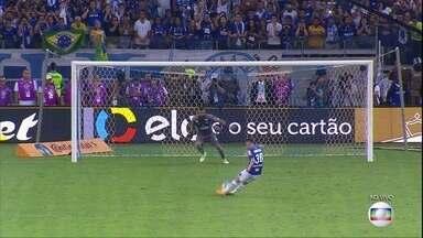 Thiago Neves garante que não deu dois toques na bola em pênalti decisivo - Thiago Neves garante que não deu dois toques na bola em pênalti decisivo.
