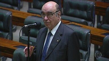 Tucano que votou a favor de Temer é relator da segunda denúncia na CCJ - Aos 87, Bonifácio de Andrada tem 39 anos de mandato na Câmara. Mineiro, conservador, é muito próximo do senador Aécio Neves.