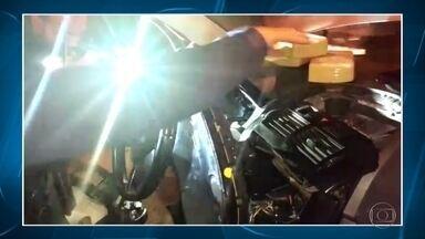 Homem é preso suspeito de tráfico de drogas na Grande BH - Carro foi parado em posto da BR-381, em Sabará.