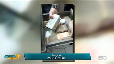 Operação investiga prática irregular de câmbio de moedas em Foz do Iguaçu - Foram cumpridos 29 mandados de busca e apreensão e dois mandados de prisão.