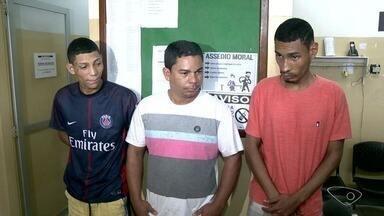 Jovem sofre tentativa de sequestro em Vila Velha e três suspeitos são presos - Vítima foi abordada pelos criminosos que estavam dentro de um táxi, depois de sair da escola.
