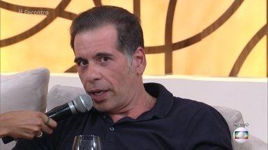 Leandro Hassum brinca sobre dicas de maquiagem na internet - Humorista dá dica rápida para limpeza de pele!