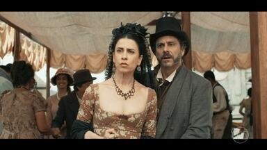 Enquanto Catarina curte festa com Lucélia, Geraldinho é preso - Geraldo e Maria Teresa ficam perplexos ao serem avisados de que o filho se meteu em confusão